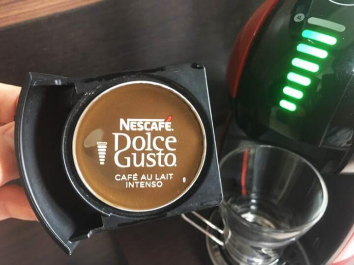 ドルチェグストのカプセルホルダーにカフェオレ インテンソをセット